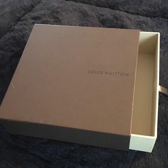 Louis Vuitton belt storage box & Louis Vuitton Other | Belt Storage Box | Poshmark